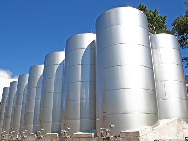 Image result for tanque de aço para vinho